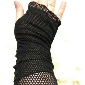 Accessories - Fingerless Gloves with Fishnet